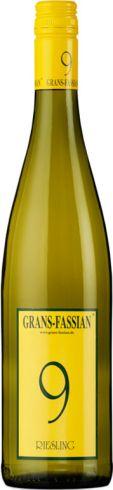 Frontansicht der Flasche von Grans Fassian Cuvée 9 Riesling Weißwein